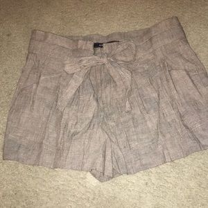 'Paper bag' style shorts new with tags BCBG 02